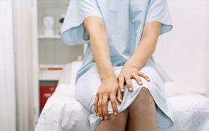 Có bị đau lưng khi mắc bệnh viêm cổ tử cung hay không?